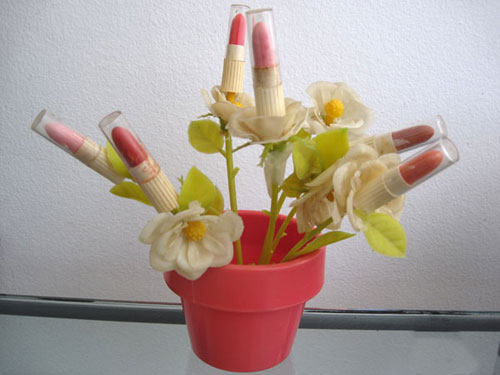 lipstick-flower-pot2