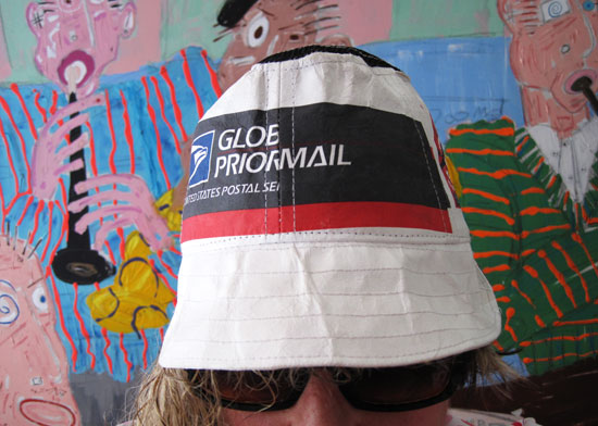 priority-mail-hat_8554