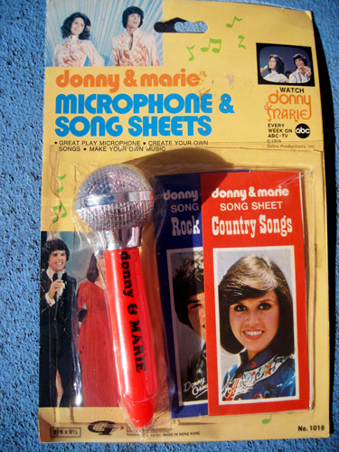 donny-&-marie-microphone_4689