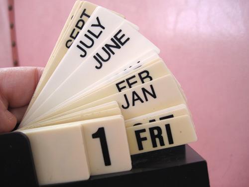 flip-calendar_2406-3