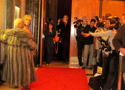 RedCarpet-aw,-luenell