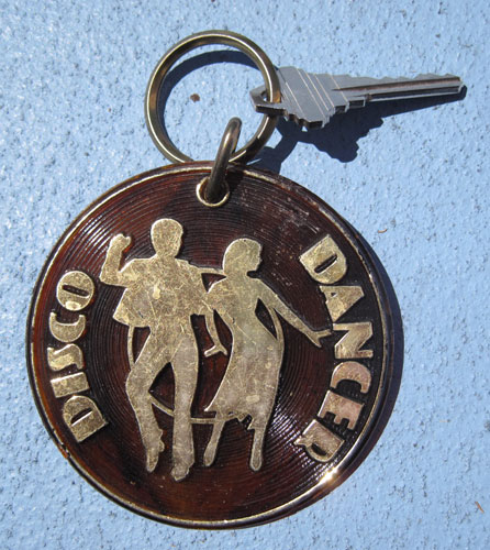 disco-dancer-keyring_2740