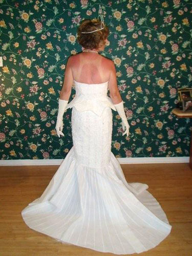 toilet-wedding-dress-terrri-bk