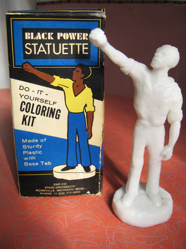black-power-statuette_5043