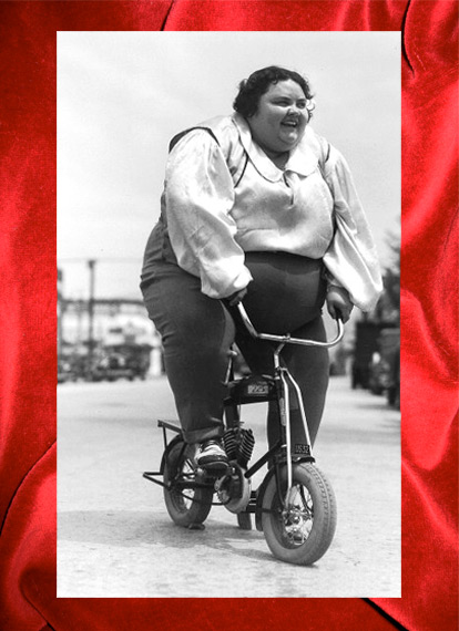 heavy-woman-on-bike