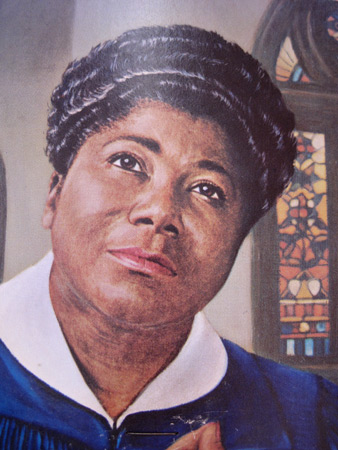 mahalia-jackson-church-fan_1287