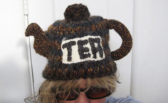 Teapot-hat-crop_1322