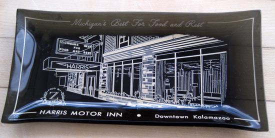 Ashtray-harris-motor-inn_2317