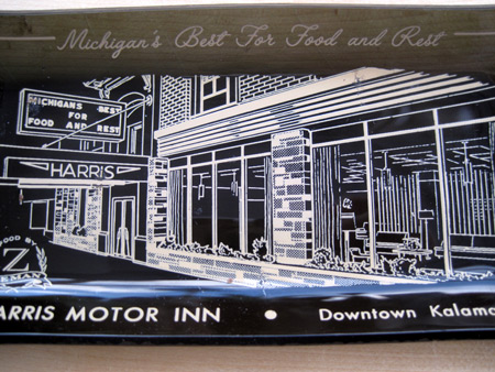 Ashtray-harris-motor-inn__2318