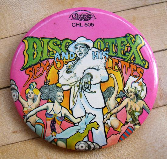 DiscoTex-button_1903
