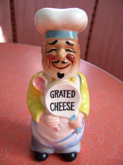 grated-cheese-chef-shaker_6036