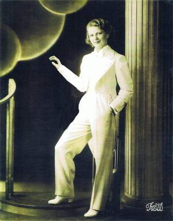 Jerrie-Thill---White-Tuxedo