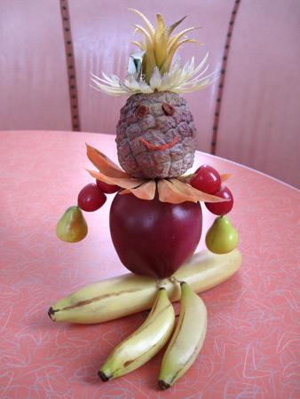 plastic-fruit,-vege-person_3075