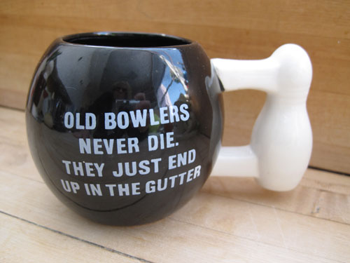 Bowling-Ball-And-Pin-Cup_3002