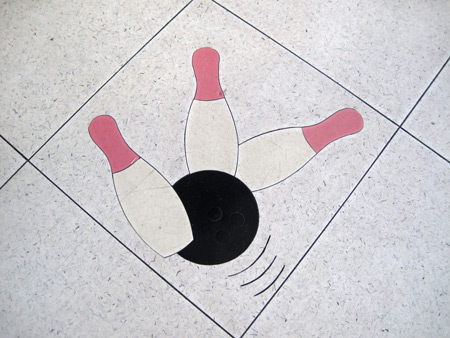 bowling-kitchen-floor_4335
